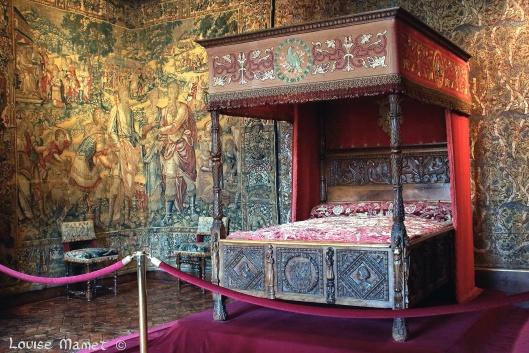 Chambre de Catherine de Médicis... Catherine de Medici's bedroom...